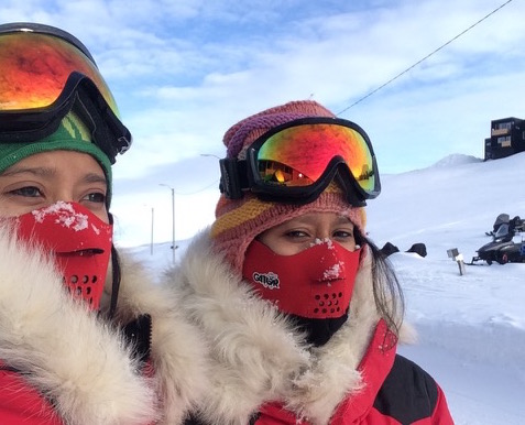 Tashi-and-Nungshi-Malik-at-the-North-Pole-in-April-2015. (1)