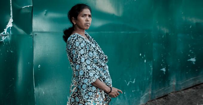 Picture of Soni Sori standing.