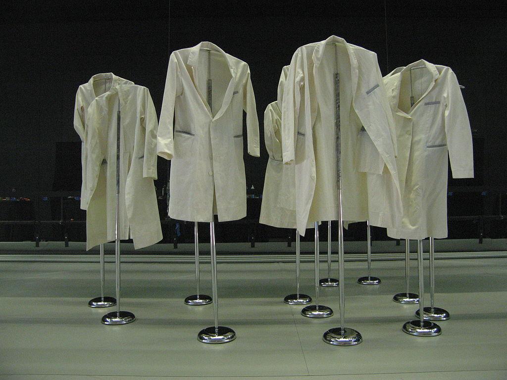 1024px-Lab_coats