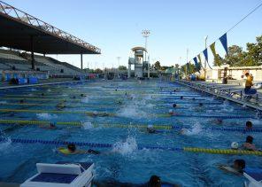 Santa_Clara_city_public_swimming_pool_kids_practice