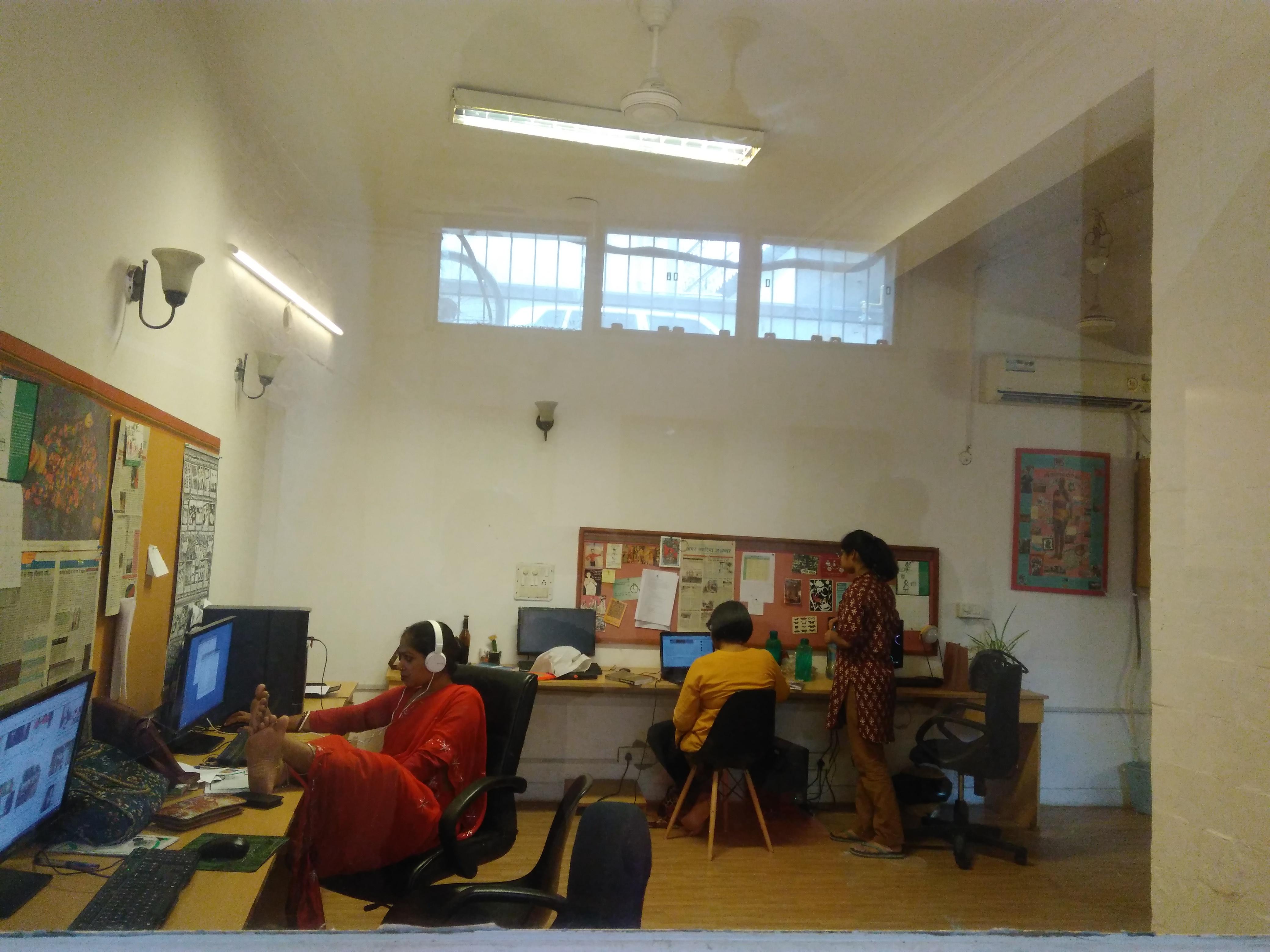 Khabar Lahariya's Delhi office