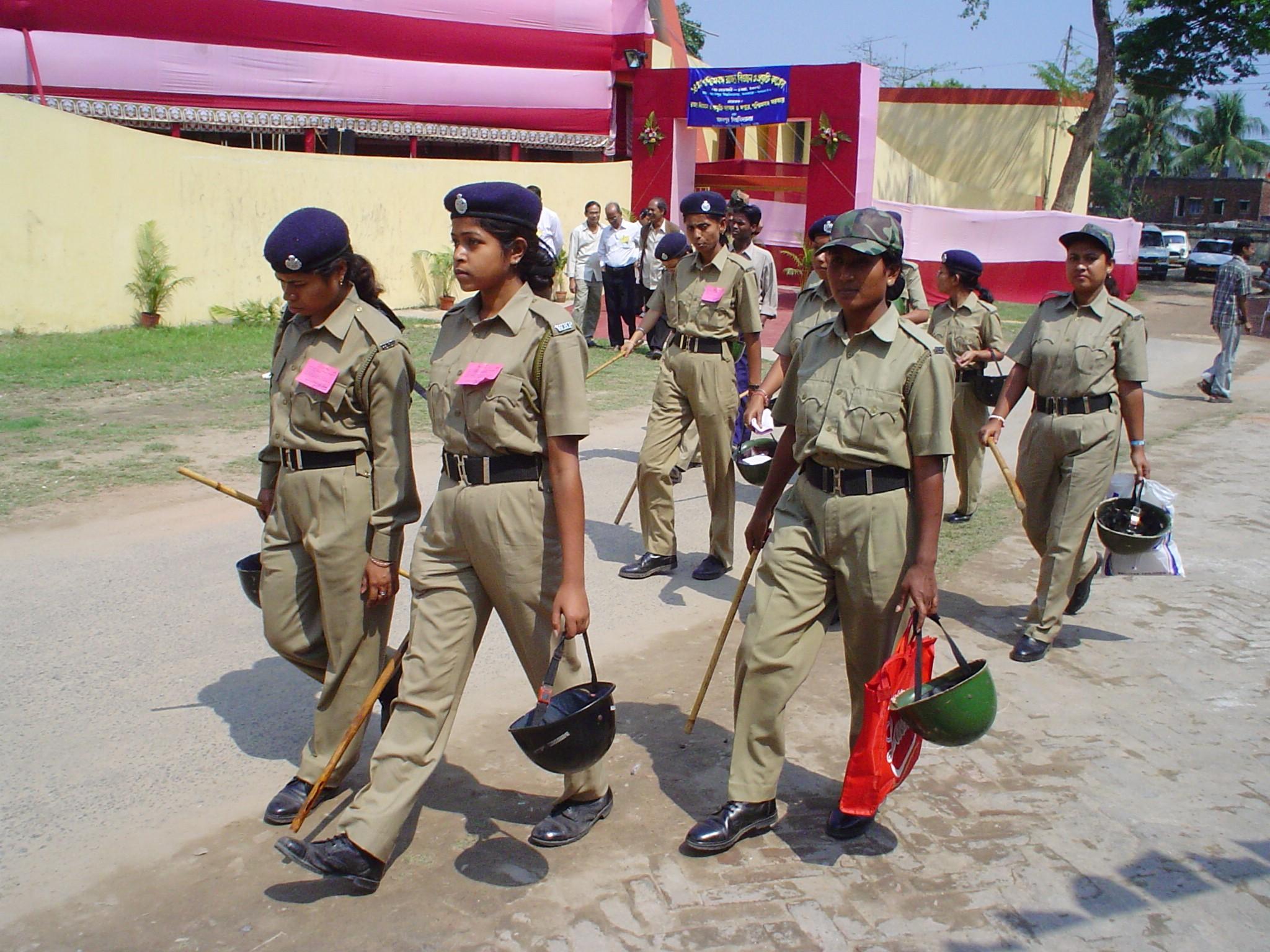 women_police_07172