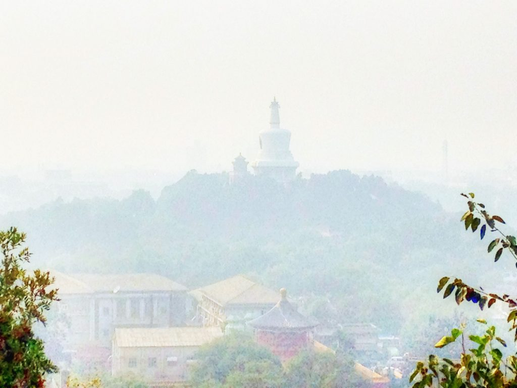 beijing-white-pagoda-in-pollution-2