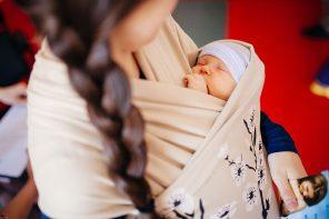 mothers_from_eastern_ukraine_attend_training_on_breastfeeding_17063692941