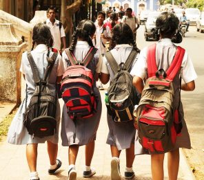School_Girls_in_India (2)