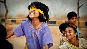800px-Blind_man's_buff_India