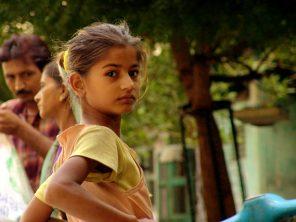Girl_in_india