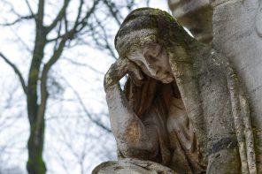 graveyard-523110_960_720
