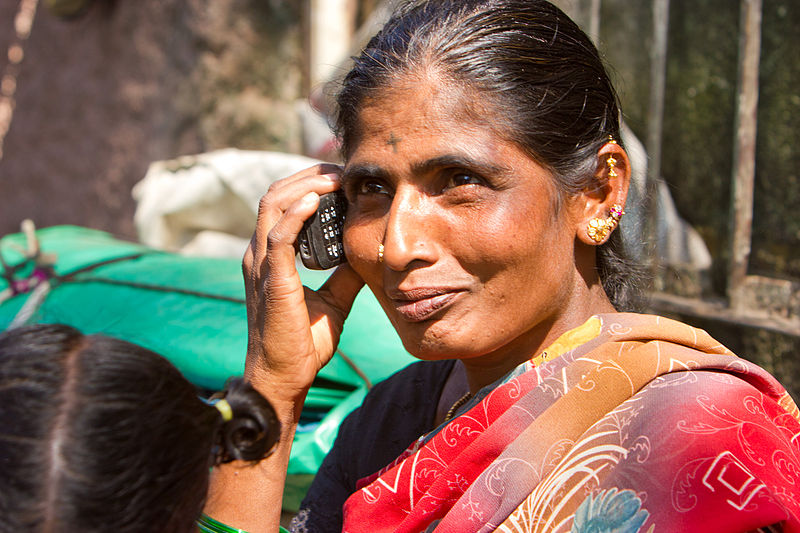 800px-Bangalore_Woman_on_Cellphone_top_November_2011_-23